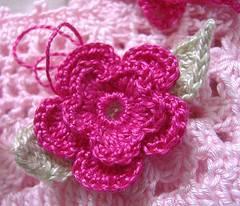 Flores tejidas de ganchillo