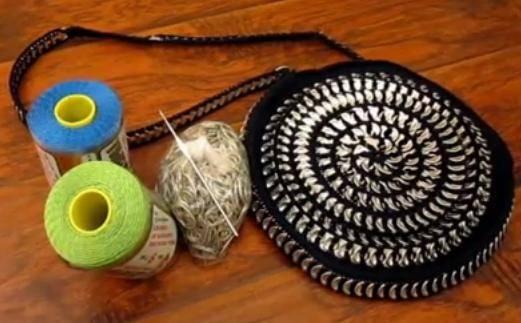 Cómo hacer bolsos con chapas en ganchillo para ir a la playa ...
